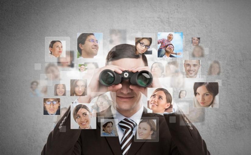Jak vypadá budoucnost práce v bankovnictví? Smíšená realita, algoritmická mechanika a univerzální služby